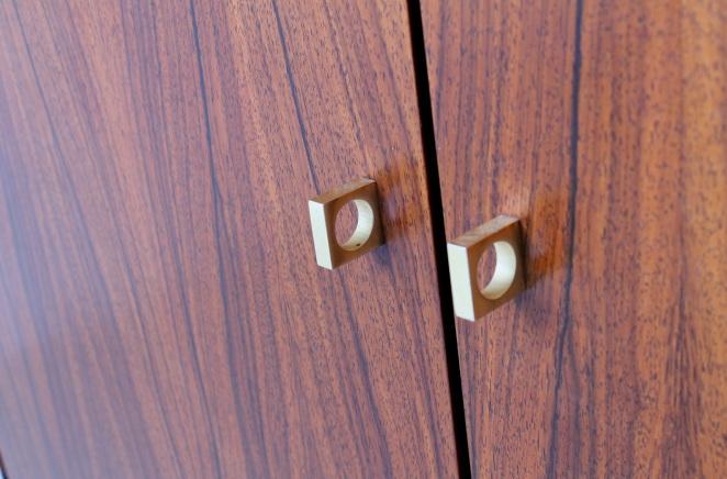 fritsho-sideboard-credenza-lowboard-brass-rosewood-palissander-commode-kast-dressoir-jaren-50-modernist-danish-style-8