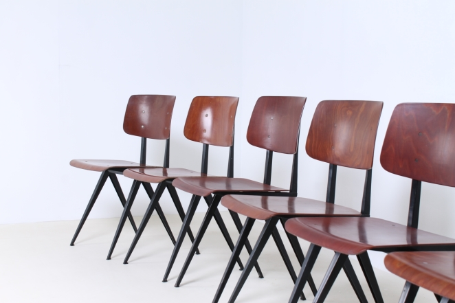galvanitas-black-compass-chair-industrial-cafe-interior-decoration-dutch-design-prouve-friso-kramer-style-era-3