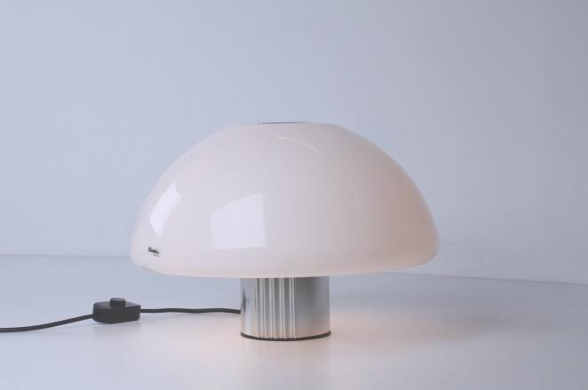 guzzini-table-light-white-shade-italian-plastic-design-iguzzini-harvey-creazioni-mushroom-5