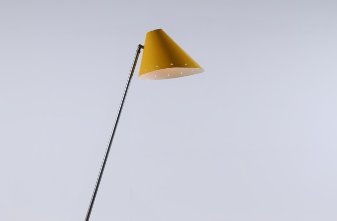 hala-pinocchio-large-floor-light-fifties-mid-century-modern-city-design-modernist-minimal-rare-vintage-items-1
