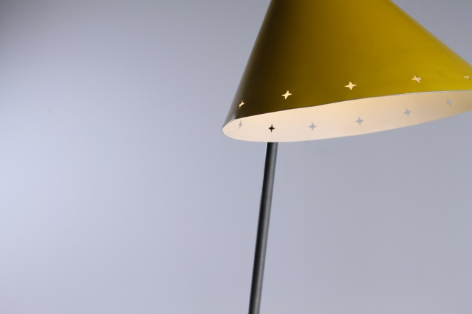 hala-pinocchio-large-floor-light-fifties-mid-century-modern-city-design-modernist-minimal-rare-vintage-items-2