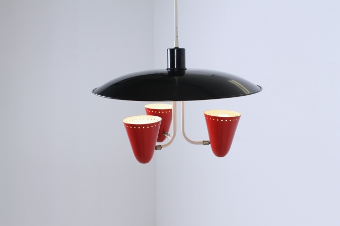 hala-red-black-saucer-pendant-fifties-perforated-shades-stars-die-cut-stilnovo-arteluce-era-2
