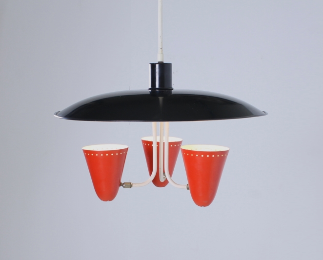 hala-red-black-saucer-pendant-fifties-perforated-shades-stars-die-cut-stilnovo-arteluce-era-3
