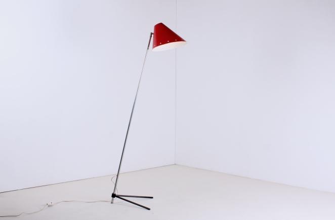 hala-zeist-pinocchio-floor-light-midcentury-fifties-midcentury-lampada-retro-vintage-metal-tripod-base-pinokkio-lampen-verlichting-nederlands-design-jaren-50-busquet-1