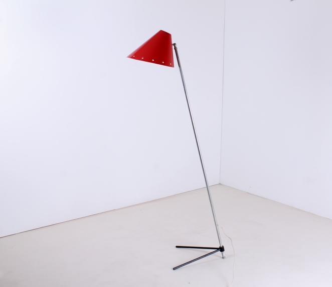 hala-zeist-pinocchio-floor-light-midcentury-fifties-midcentury-lampada-retro-vintage-metal-tripod-base-pinokkio-lampen-verlichting-nederlands-design-jaren-50-busquet-2