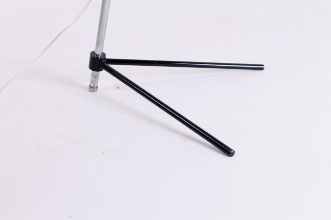 hala-zeist-pinocchio-floor-light-midcentury-fifties-midcentury-lampada-retro-vintage-metal-tripod-base-pinokkio-lampen-verlichting-nederlands-design-jaren-50-busquet-9
