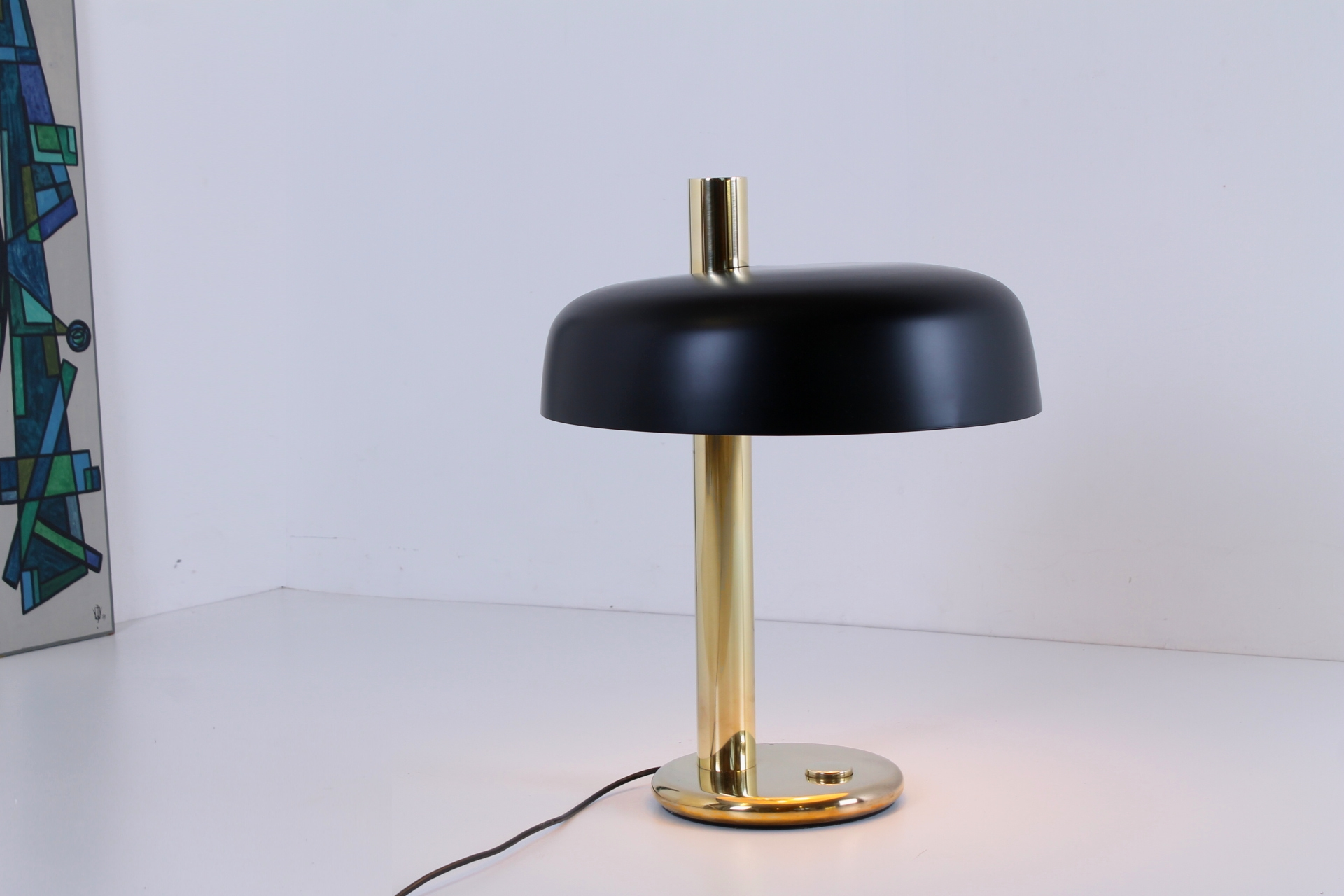 hillebrand-egon-large-brass-black-mushroom-desk-table-light-copper-modernist-german-design-vintage-lighting-classic-luxury-glamorous-4