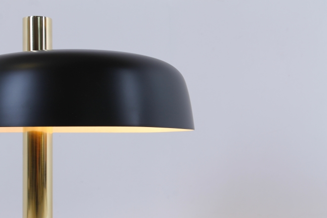 hillebrand-lamp-light