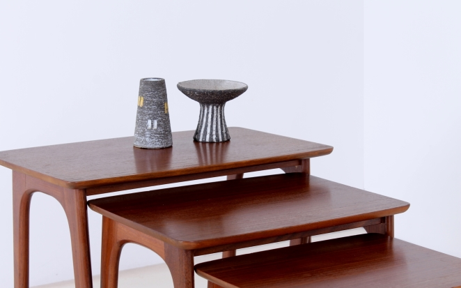 hogenelst-waddinxveen-nesting-stacking-table-small-tables-furniture-timber-set-teak-organic-danish-design-inspired-dutch-10