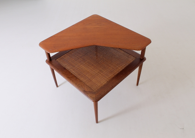 Hvidt France and Sons corner table teak wood vintage danish design.