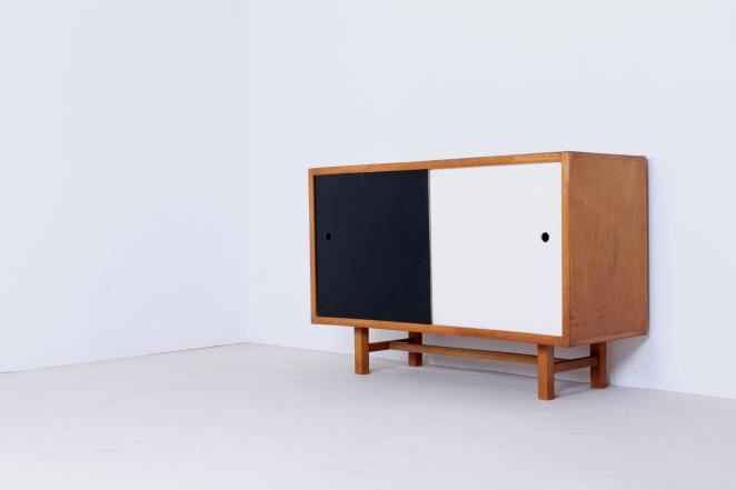 jaap-penraat-pentagonia-sideboard-wood-base-gerrit-rietveld-style-vintage-dutch-design-credenza-fifties-modernism-3