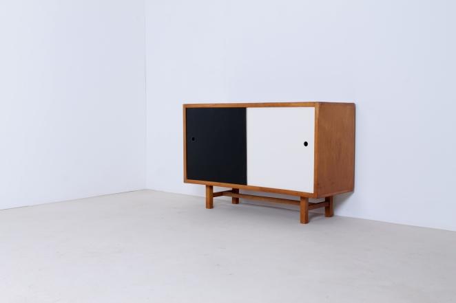 jaap-penraat-pentagonia-sideboard-wood-base-gerrit-rietveld-style-vintage-dutch-design-credenza-fifties-modernism-6