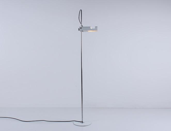 joe-colombo-spider-floor-lamp-white-vintage-oluce-italian-lighting-design-italian-modern-3