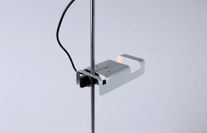 joe-colombo-spider-floor-lamp-white-vintage-oluce-italian-lighting-design-italian-modern-4
