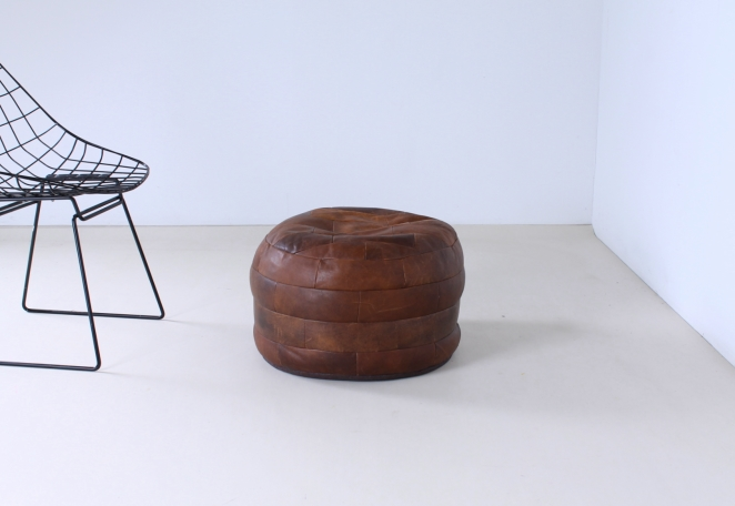 leather-pouf-foot-stool-footstool-ottoman-vintage-patchwork-seventies-vintage-shop-display-material-1