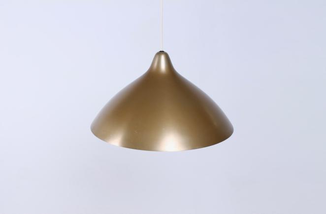 lisa-johannson-pape-pendant-gold-brass-stockmann-orno-finland-fins-helsinki-1940ies-1947-skandinavian-vintage-used-condition-aluminium-copper-look-design-1