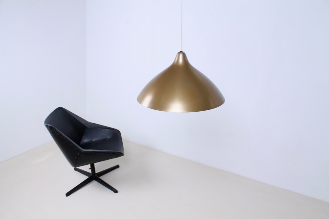lisa-johannson-pape-pendant-gold-brass-stockmann-orno-finland-fins-helsinki-1940ies-1947-skandinavian-vintage-used-condition-aluminium-copper-look-design-6