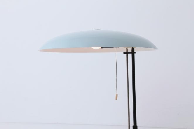 louis-kalff-philips-adjustable-table-desk-light-fifties-saucer-fifties-baby-blue-modernist-dutch-design-vintage-lighting-7