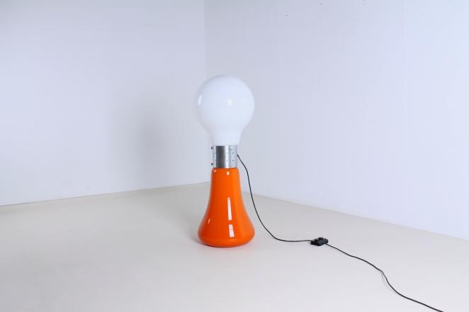 mazzega-murano-carlo-nason-italian-lighting-design-vintage-pop-art-sixties-retro-bulb-orange-white-floor-light-cencity-mazegga-glass-4