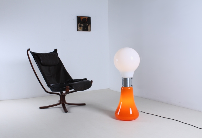 mazzega-murano-carlo-nason-italian-lighting-design-vintage-pop-art-sixties-retro-bulb-orange-white-floor-light-cencity-mazegga-glass-5