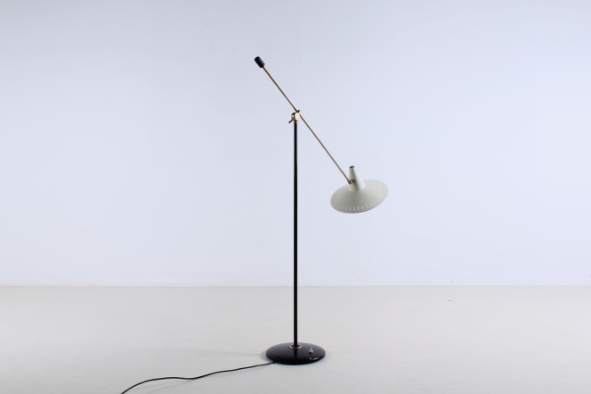 metal-floor-light-anvia-dutch-design-modernist-white-white-vintage-fifties-adjustable-minimal-cencity-panama-rietveld-like-4