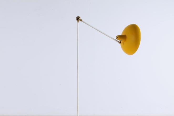metal-floor-light-anvia-dutch-design-modernist-yellow-white-brass-vintage-fifties-adjustable-minimal-cencity-1