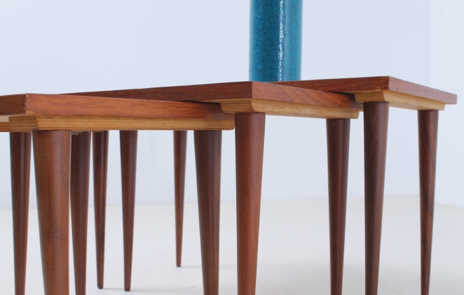 nesting-table-teak-vintage-small-furniture-tables-sidetables-fifties-pastoe-wood-timber-2