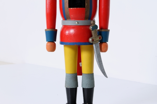 nutcracker-soldier-toy-vintage-kids-furniture-doll-gift-design-volkskunst-folk-art-collectable-decoration-display-props-material-3