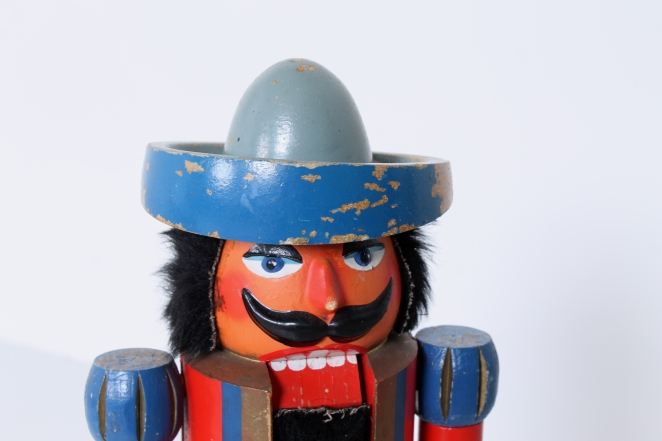 nutcracker-soldier-toy-vintage-kids-furniture-doll-gift-design-volkskunst-folk-art-collectable-decoration-display-props-material-5