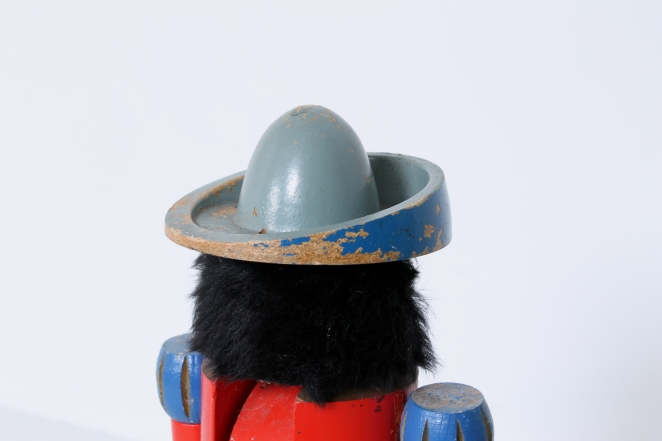 nutcracker-soldier-toy-vintage-kids-furniture-doll-gift-design-volkskunst-folk-art-collectable-decoration-display-props-material-6