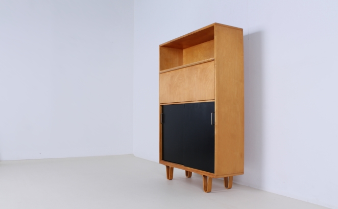 pastoe-birch-berken-luspootjes-braakman-pastoe-vintage-birch-wood-cabinet-high-sliding-colored-doors-combex-series-rare-vintage-4