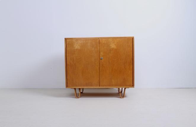 pastoe-birch-series-berken-serie-braakman-cabinet-luspootjes-2
