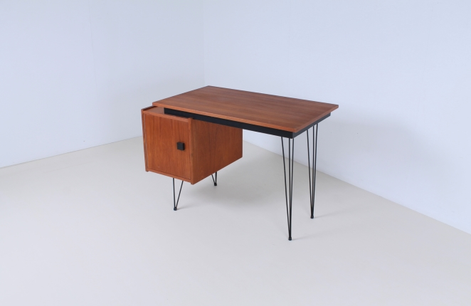 pastoe-box-door-desk-teak-hairpin-wire-legs-braakman-fifties-design-dutch-2