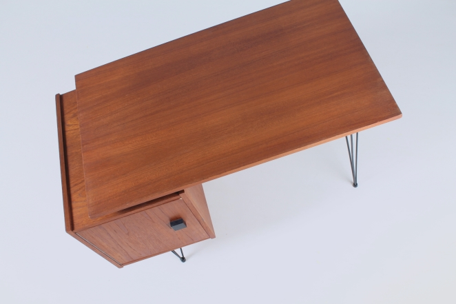 pastoe-box-door-desk-teak-hairpin-wire-legs-braakman-fifties-design-dutch-6