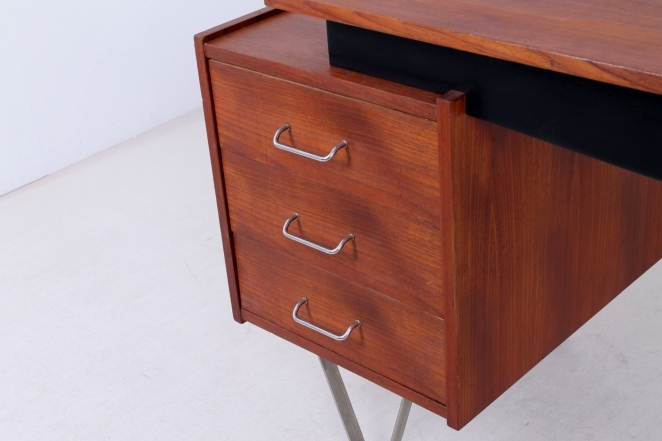 pastoe-cees-braakman-hairpin-flatsteel-legs-sprietbureau-writing-desk-vintage-furniture-fifties-midcentury-design-teak-chrome-2