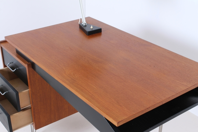 pastoe-desk-UMS-black-drawers-hairpin-wire-legs-chrome-minimalism-cees-braakman-midcentury-fifties-design-timber-11