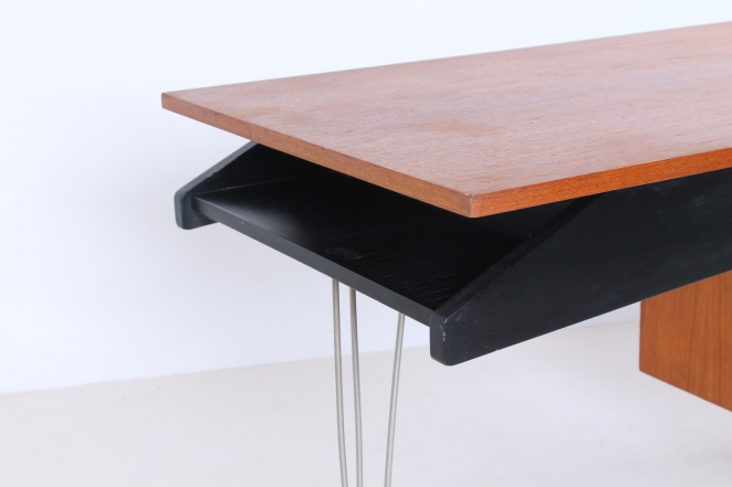 pastoe-desk-UMS-black-drawers-hairpin-wire-legs-chrome-minimalism-cees-braakman-midcentury-fifties-design-timber-13