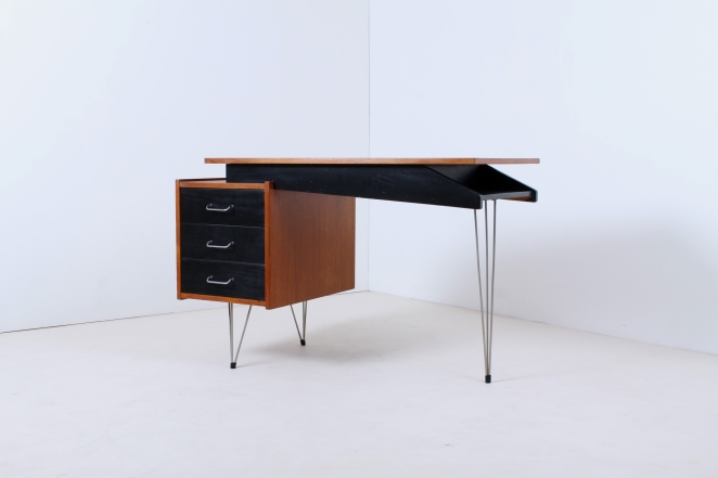 pastoe-desk-UMS-black-drawers-hairpin-wire-legs-chrome-minimalism-cees-braakman-midcentury-fifties-design-timber-5