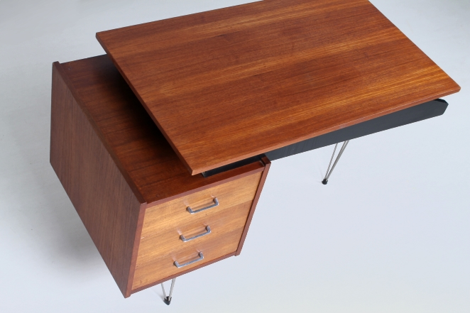 pastoe-desk-UMS-teak-drawers-hairpin-wire-legs-chrome-minimalism-braakman-midcentury-fifties-design-dutch-5