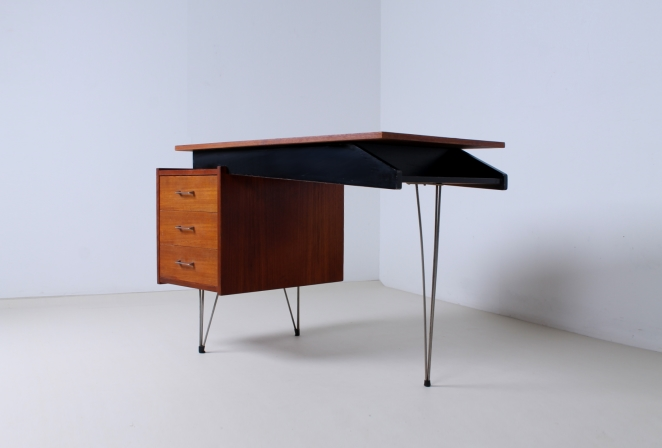 pastoe-desk-UMS-teak-drawers-hairpin-wire-legs-chrome-minimalism-braakman-midcentury-fifties-design-dutch-6