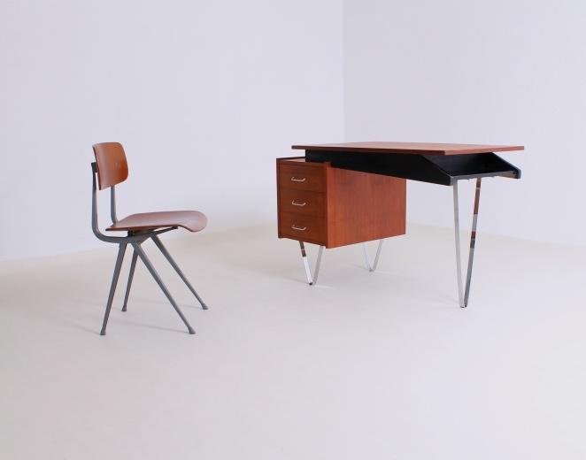 pastoe desk flat steel 662