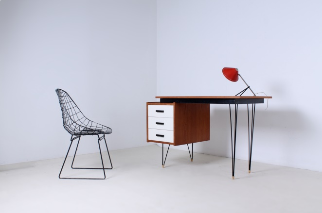 pastoe-desk-white-drawers-teak-hairpin-wire-legs-braakman-fifties-design-dutch-5