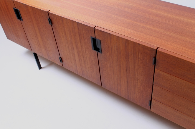 pastoe-du-03-du03-sideboard-japanese-series-cees-braakman-credenza-lowboard-teak-timber-large-metal-base-vintage-furniture-commode-cencity-12