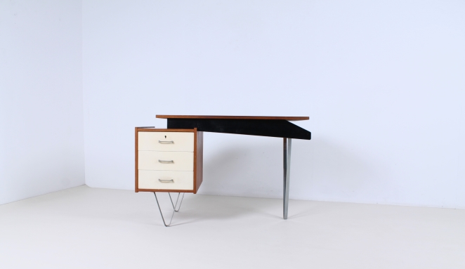 pastoe-flatsteel-chrome-legs-desk-UMS-teak-white-drawers-minimalism-braakman-midcentury-fifties-design-dutch-1