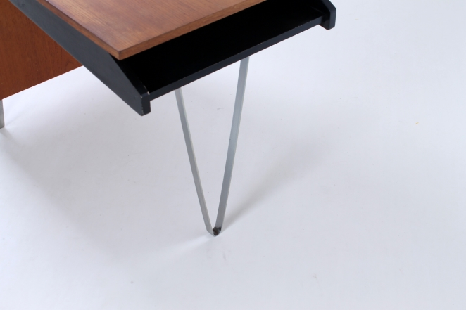 pastoe-flatsteel-chrome-legs-desk-UMS-teak-white-drawers-minimalism-braakman-midcentury-fifties-design-dutch-5