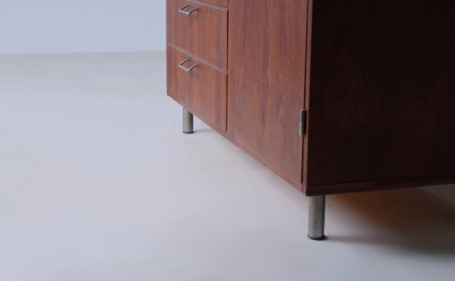 pastoe-highboard-black-made-to-measure-luxe-desk-sideboard-fifties-braakman-design-dutch-fifties-teak-furniture-7