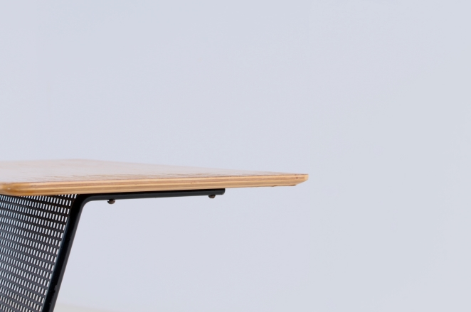 pastoe-tm-o5-t-m-o-5-magazine-rack-holder-cees-braakman-dutch-combex-design-series-birch-wood-plywood-cencity-7