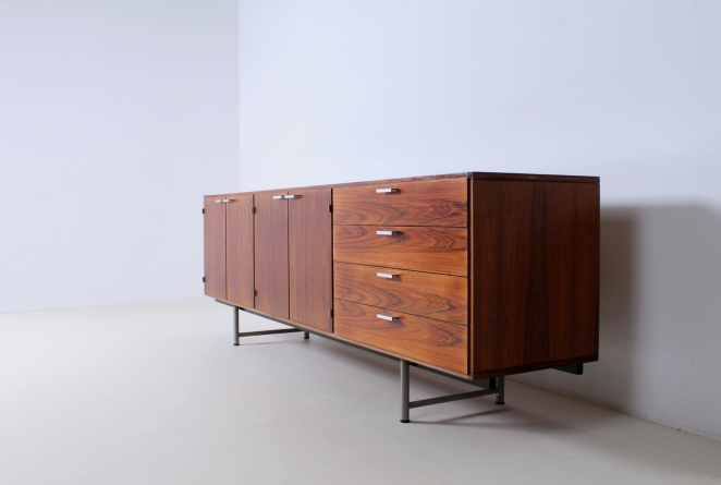 pastoe-ums-CR-series-cees-braakman-rosewood-palissander-credenza-sideboard-low-board-vintage-cencity-storage-cabinet-commode-kast-hout-wood-timber-5