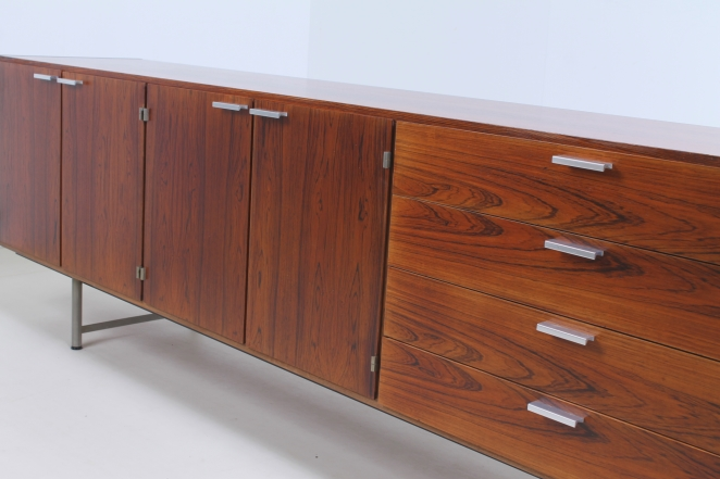 pastoe-ums-CR-series-cees-braakman-rosewood-palissander-credenza-sideboard-low-board-vintage-cencity-storage-cabinet-commode-kast-hout-wood-timber-8