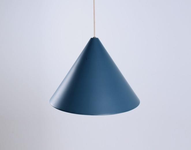 petrol-blue-fifities-cone-shaped-pendant-hanging-light-vintage-anvia-hala-hagoort-vintage-minimal-4